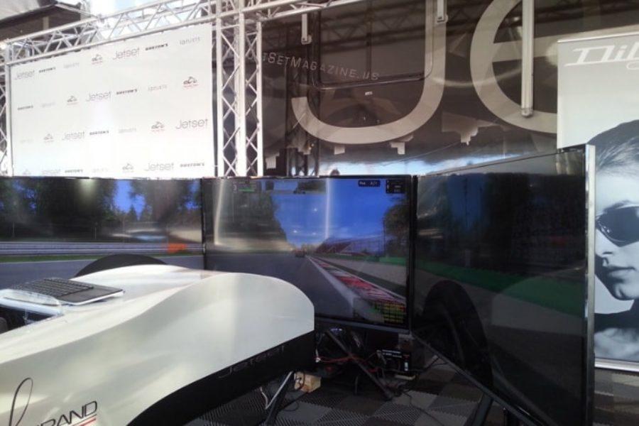 Il simulatore F1 FAA Top Class debutta a Barrett-Jackson