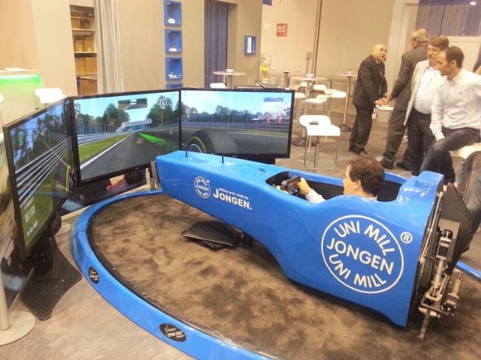 Il simulatore F1 a Fieramilano City insieme a Jongen