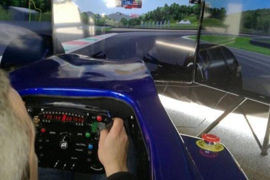 Acquisto Simulatore F1 per Eventi: il Caso di Scuola di Guida Sicura di Vito Popolizio