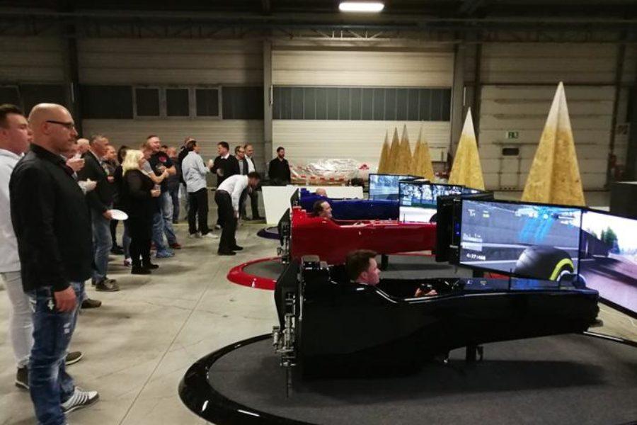 Entusiasmo Contagioso con Porcelaingres alla Guida del Simulatore F1