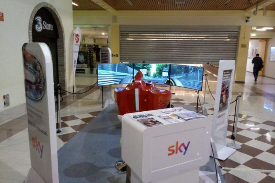 Simulatore F1 Dinamico con Sky al Centro Commerciale Il Porto di Adria
