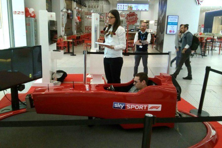 Simulatore F1 con Sky Sport anche a Elnòs Shopping Brescia