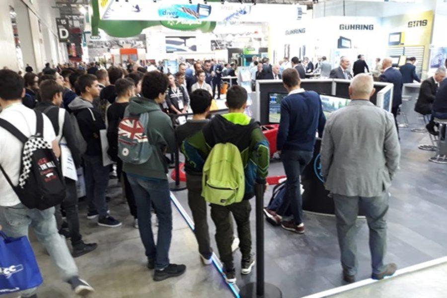 3 Idee Originali per Eventi Aziendali da Brivido con i Simulatori F1