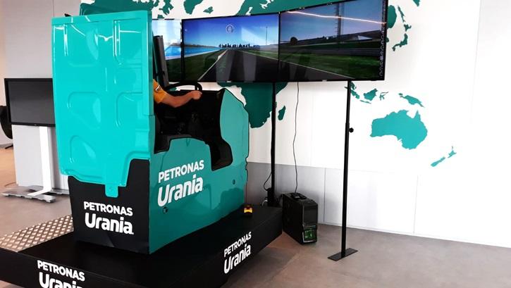 Postazione Simulatore di Guida Camion Professionale - Fbrand e Petronas