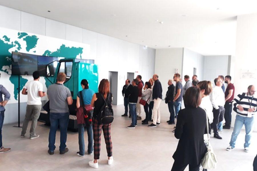 Simulatore Camion Petronas Domina la Scena al R&T Centre di Torino
