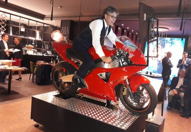 Simulatore Moto Professionale Fbrand - Ristorante Ciani Lugano - Axion Swiss Bank