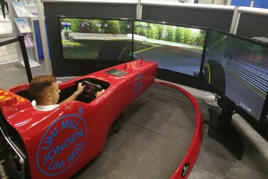 Simulatore di Guida Dinamico: Come Funziona e Prezzo