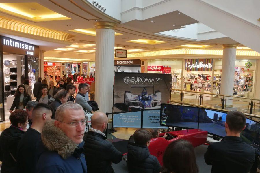 Al Centro Commerciale Euroma2 il Simulatore Formula E ha Elettrizzato Tutti