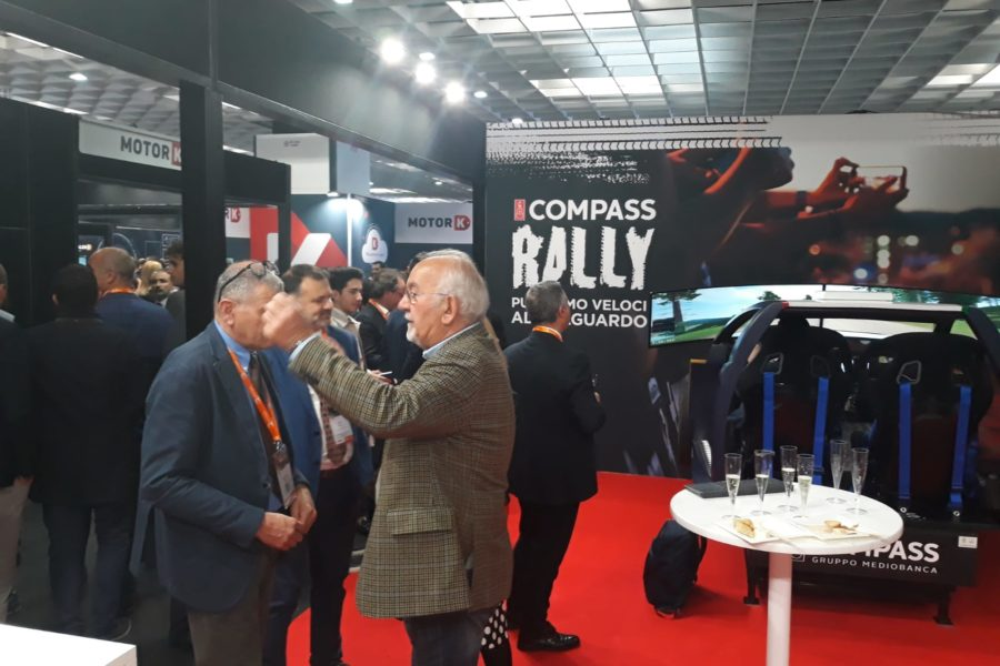 Simulatore Rally Professionale con Compass all'Automotive Dealer Day
