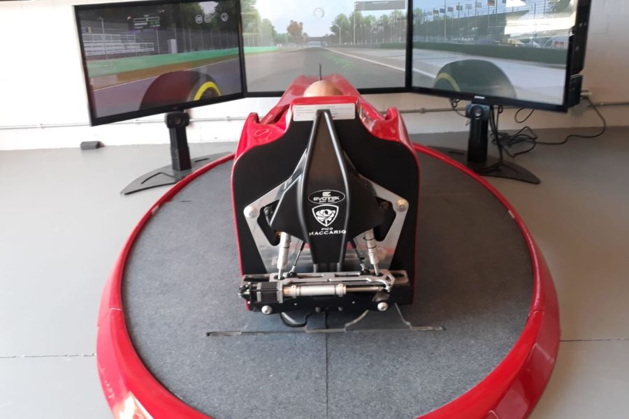 Il Simulatore F1 inebria gli ospiti di Cantina Pico Maccario