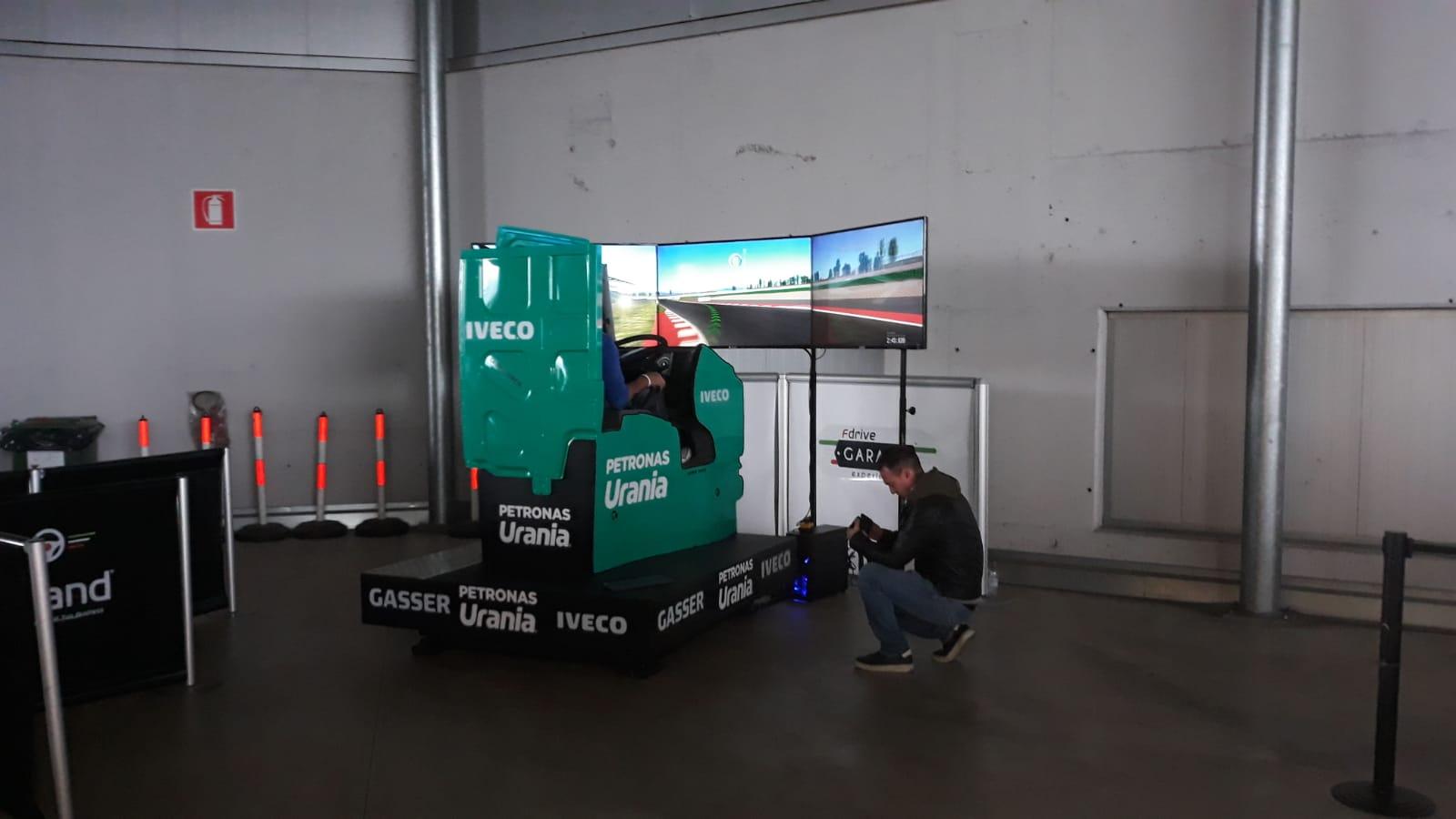Un porte aperte Gasser con prova di guida esperta su truck firmata Fbrand